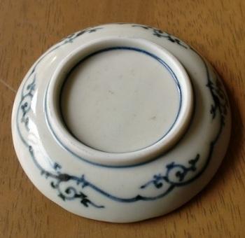 蛸唐草 豆皿ー2.JPG