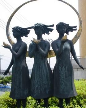 彫刻 泉の精.JPG